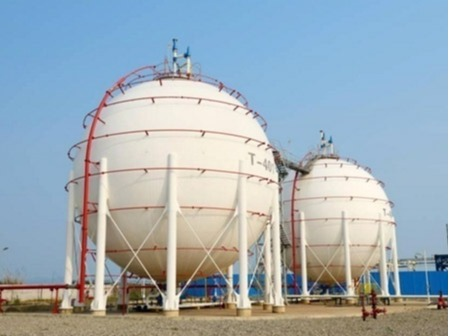Oil Transmission Pipeline and Oil Storage Tank Area Grounding